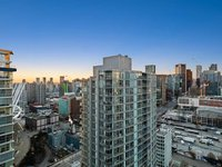 Photo of 3002 131 REGIMENT SQUARE, Vancouver