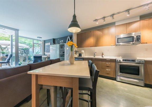 211 221 UNION STREET, Vancouver - R2500320