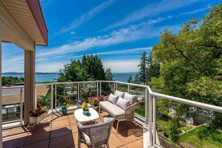 R2538501 - 301 14934 THRIFT AVENUE, White Rock, White Rock, BC - Apartment Unit