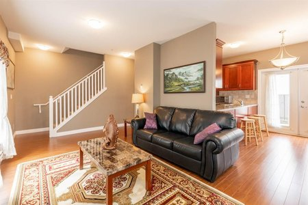 R2560367 - 9 9277 121 STREET, Queen Mary Park Surrey, Surrey, BC - Townhouse