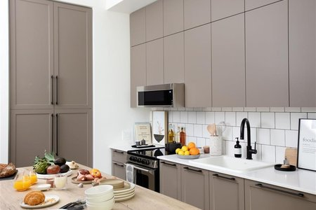 R2568661 - 210 13929 105A AVENUE, Whalley, Surrey, BC - Apartment Unit