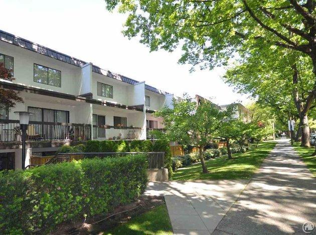 305 345 W 10th Avenue