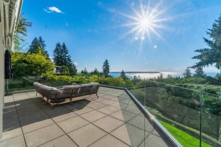 R2593484 - 2710 ROSEBERY AVENUE, Queens, West Vancouver, BC - House/Single Family