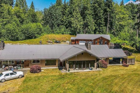 R2599717 - 12214 WEBSTER STREET, Websters Corners, Maple Ridge, BC - House with Acreage
