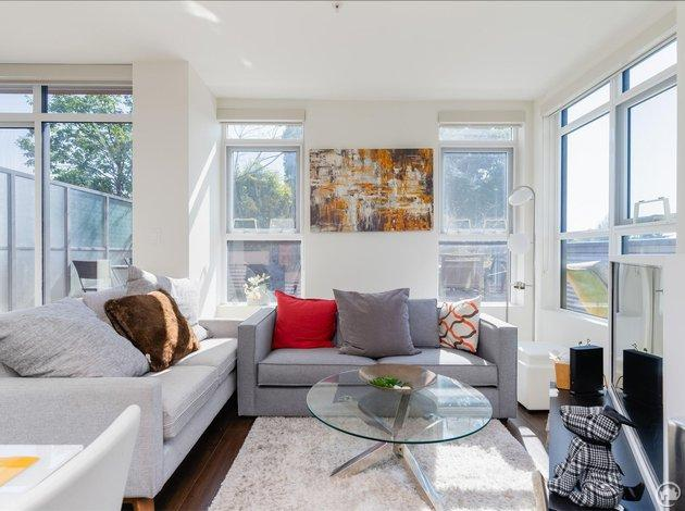 412 2250 Commercial Drive