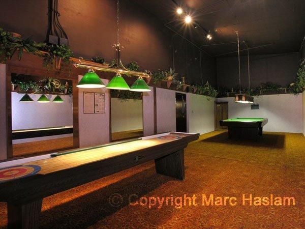 shuffleboard room (JPG)