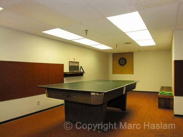 table tennis and pool room (JPG)