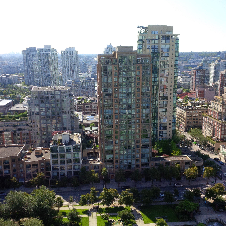 Canadian Apartments: Yaletown & Marinaside Condos Vancouver