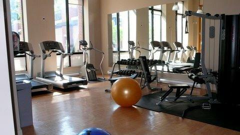 909 mainland street vancouver bc gym (JPG)