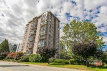 1104 - 555 13th StreetWest Vancouver