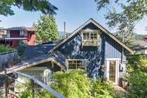 1974 Cliffwood RoadNorth Vancouver