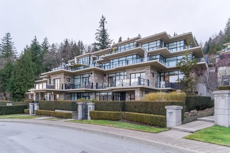 Still Photo for a 2 Bedroom Townhouse in West Vancouver