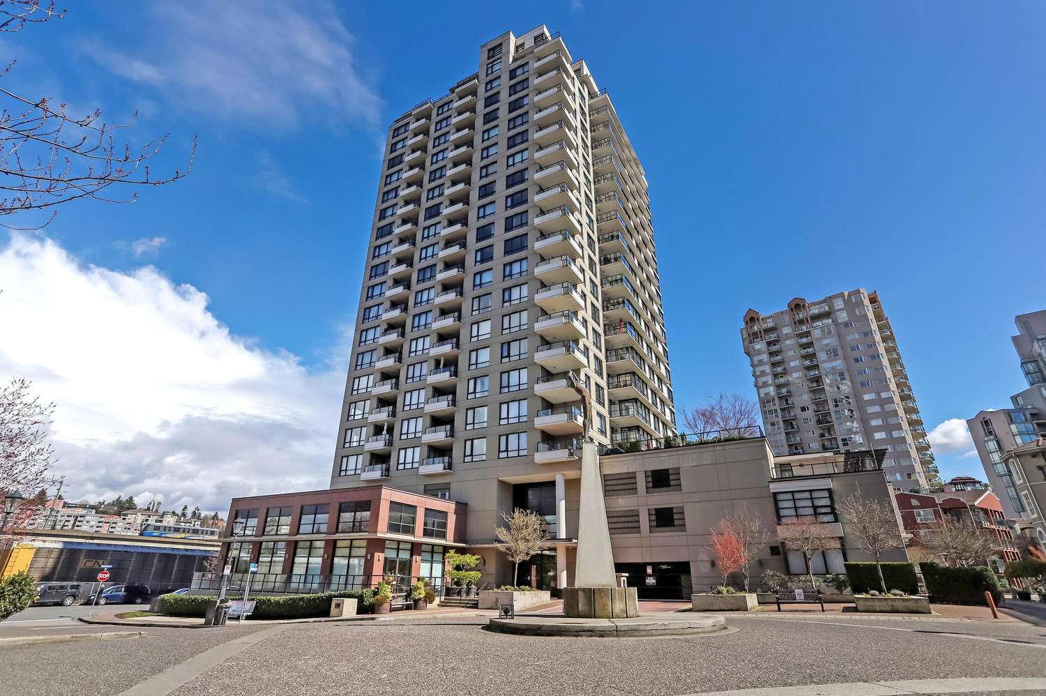 1003 1 Renaissance Square New Westminster 2 Beds 2