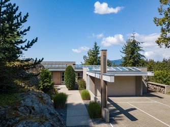 Real estate photography for a 3 Bedroom House in West Vancouver