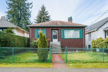 Real estate photography for a 5 Bedroom House in New Westminster