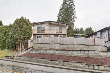 Real estate photography for a 4 Bedroom House in Port Coquitlam