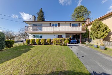 Real estate photography for a 4 Bedroom House in Burnaby