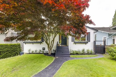 Real estate photography for a 5 Bedroom House in North Vancouver
