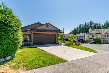 Real estate photography for a 6 Bedroom House in Coquitlam