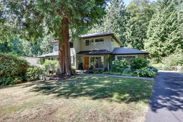 Real estate photography for a 5 Bedroom House in West Vancouver