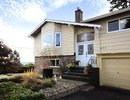 - 871 Brooksbank Avenue, North Vancouver, British Columbia, CANADA