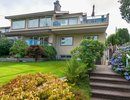 V1079811 - 850 11th Street, West Vancouver, British Columbia, CANADA