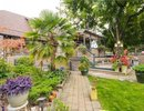V1084157 - 402 E 13TH ST, North Vancouver, British Columbia, CANADA