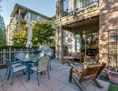 V1094197 - 105 - 2601 Whiteley Court, North Vancouver, British Columbia, CANADA