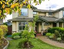 V1091721 - 331 W 14TH ST, North Vancouver, British Columbia, CANADA