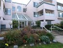 V1073390 - 209 - 125 W 18th Street, North Vancouver, British Columbia, CANADA