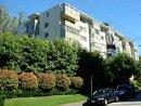 V1085207 - 211 - 1425 Esquimalt Avenue, West Vancouver, BC, CANADA
