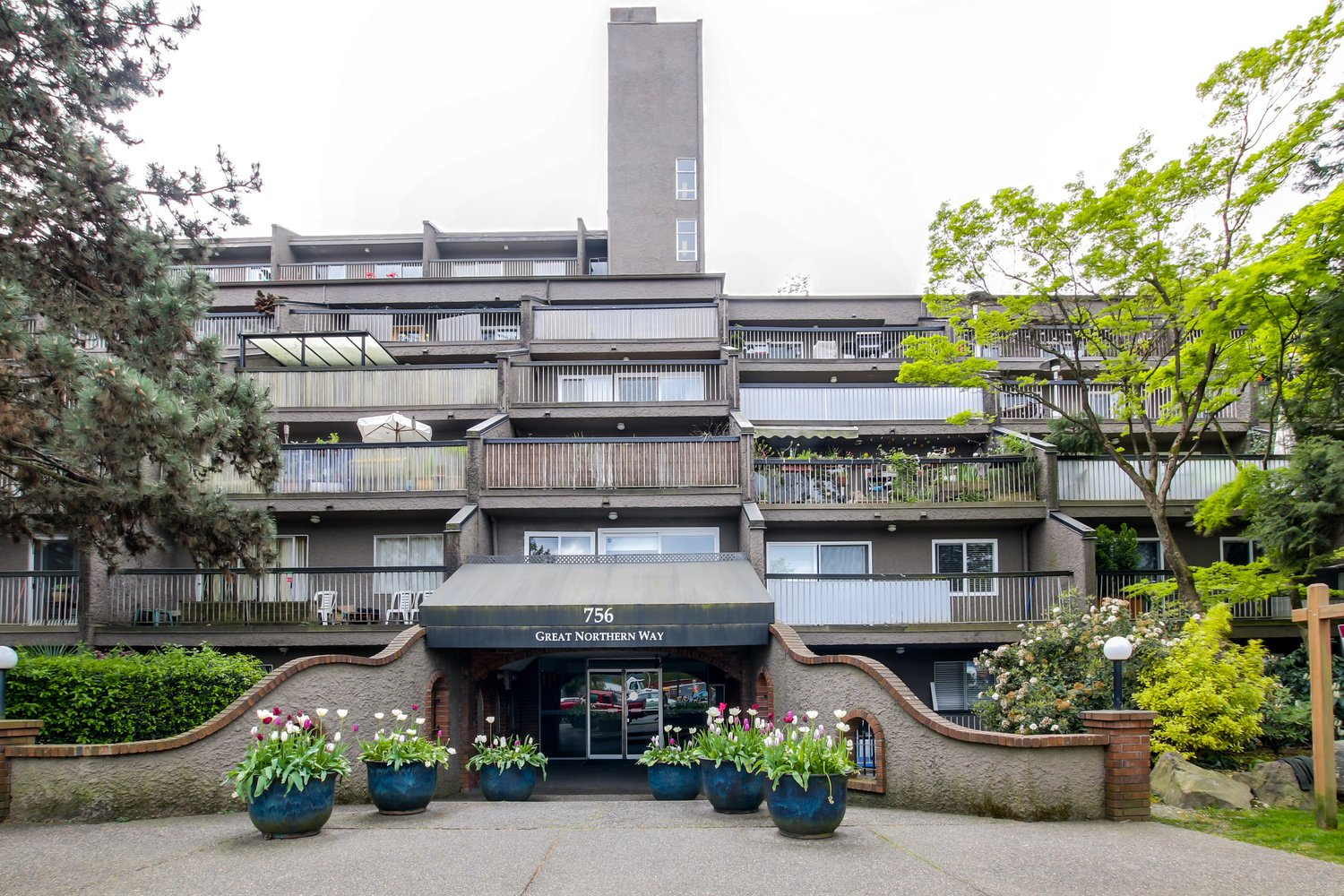 704 756 Great Northern Way Vancouver Virtual Tour