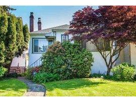 R2067299 - 3012 W 15th Avenue, Vancouver, BC - House