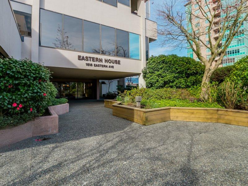 Eastern House - 1515 Eastern Ave