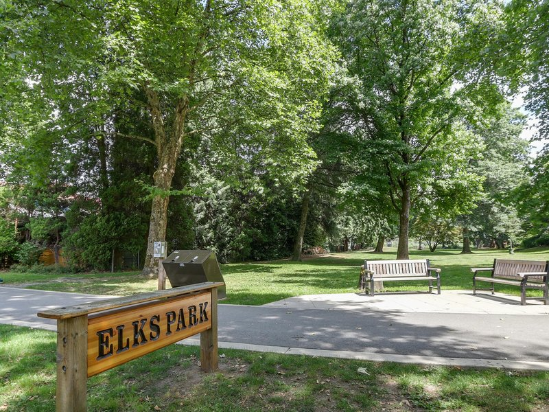Place On The Park 2231 Welcher Ave, Port coquitlam