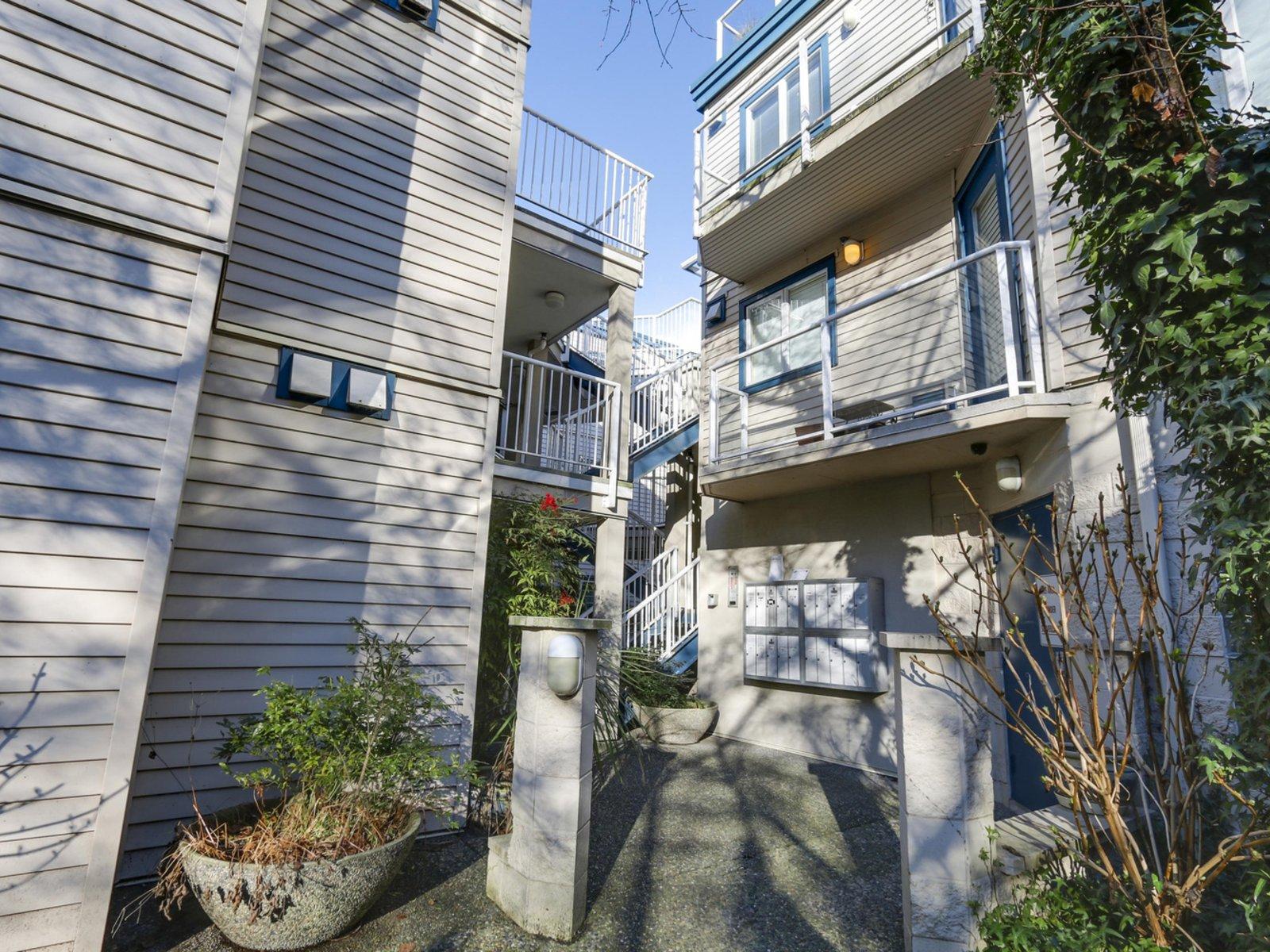 Parkview Terrace - 2288 Laurel Street