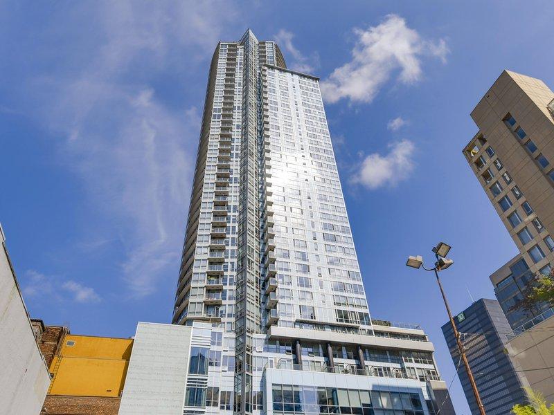 Capitol Residences 833 Seymour Street, Vancouver