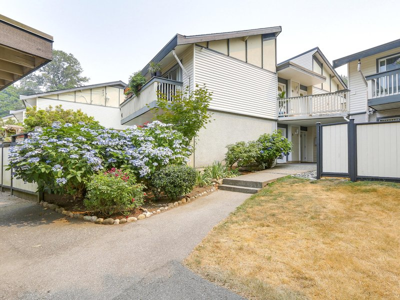 Edgewater Estates - 822 Premier Street